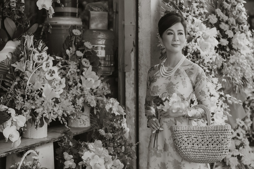 Võ Việt Chung và Nguyễn Cao Kỳ Duyên kể Ký ức Sài Gòn với áo dài xưa - Ảnh 6.