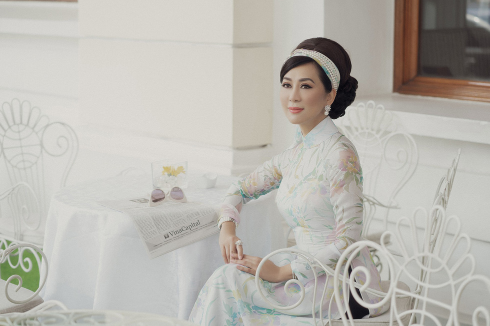 Võ Việt Chung và Nguyễn Cao Kỳ Duyên kể Ký ức Sài Gòn với áo dài xưa - Ảnh 9.