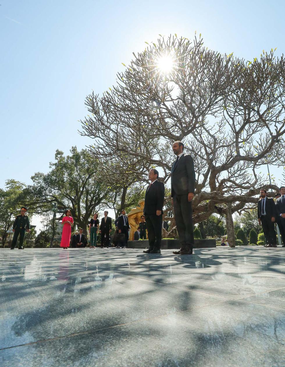 Thủ tướng Pháp thăm di tích Điện Biên Phủ - Ảnh 5.