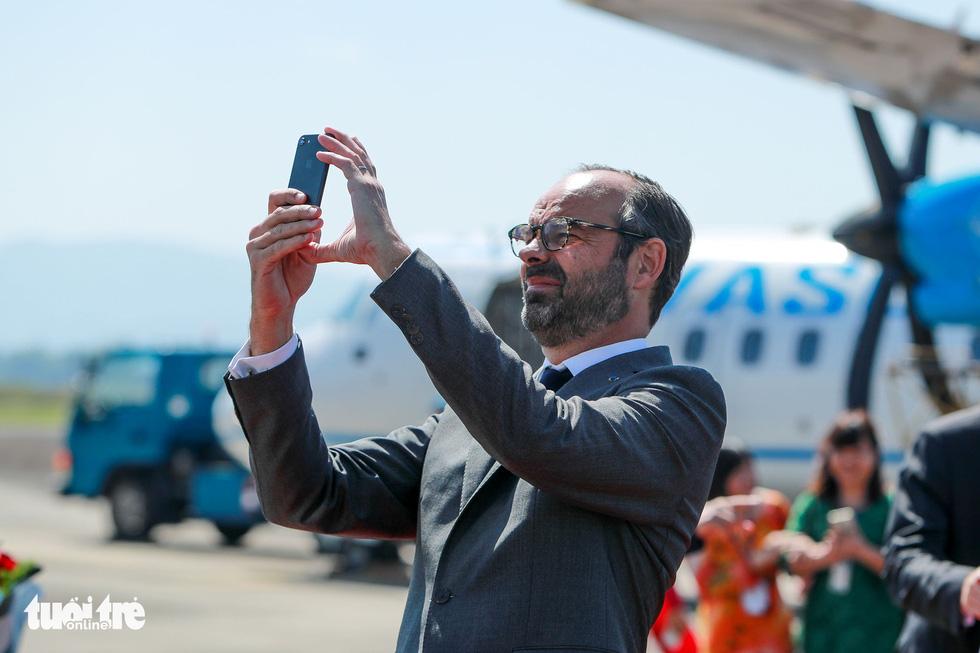 Thủ tướng Pháp thăm di tích Điện Biên Phủ - Ảnh 3.