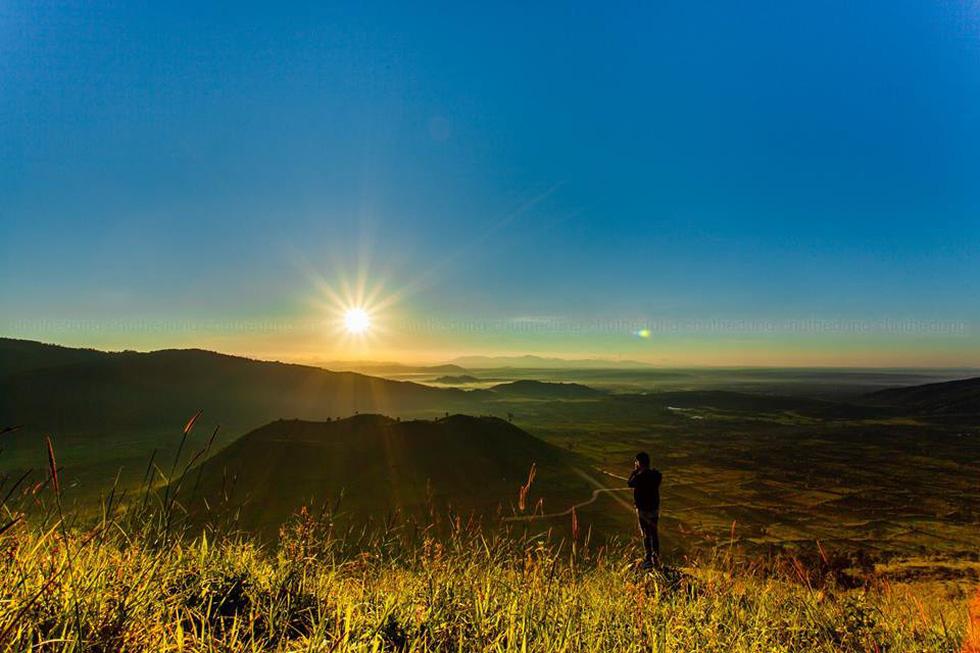 Thảm dã quỳ trên núi lửa Chư Đăng Ya hùng vĩ - Ảnh 2.