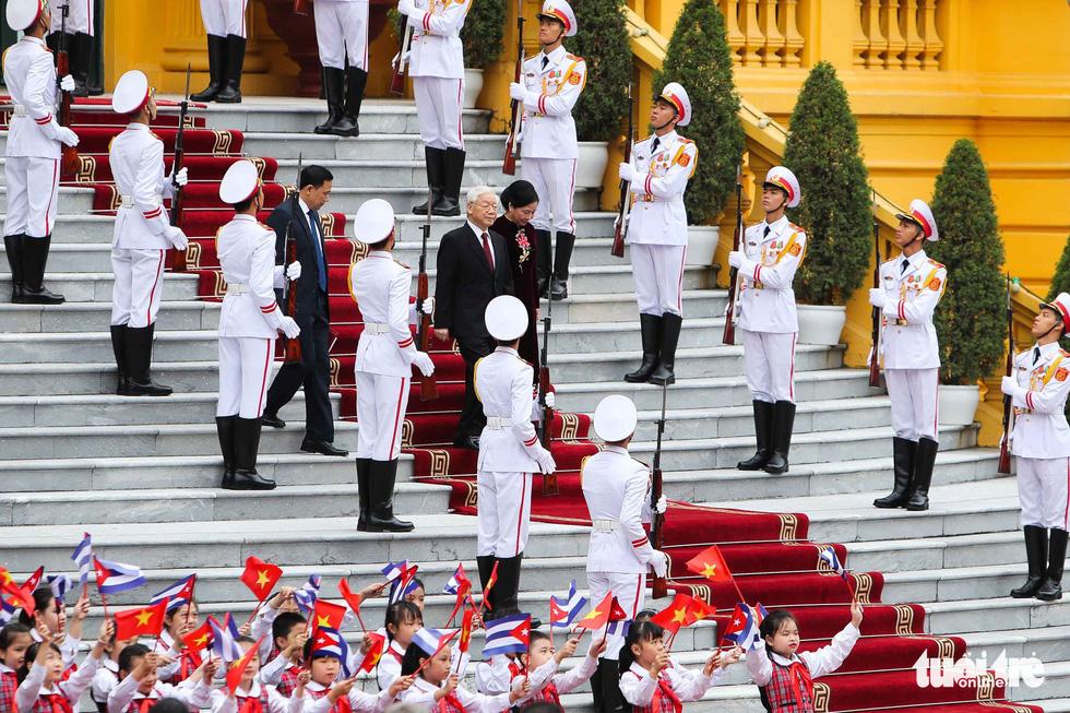 Chùm ảnh Chủ tịch Cuba Miguel Díaz-Canel thăm Việt Nam - Ảnh 1.