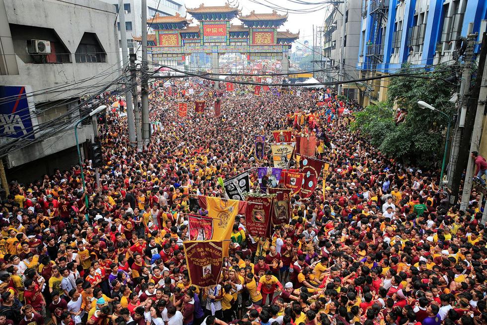 Chen lấn kinh hoàng tại lễ hội Black Nazarene ở Philippines - Ảnh 12.
