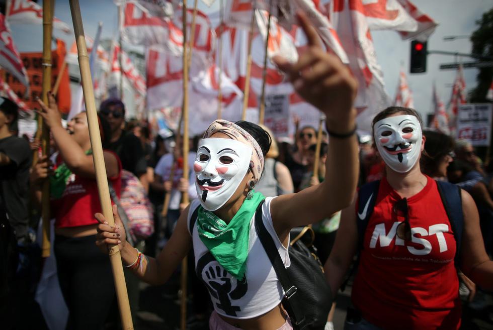 Muôn mặt biểu tình chống G20 ở Argentina - Ảnh 8.