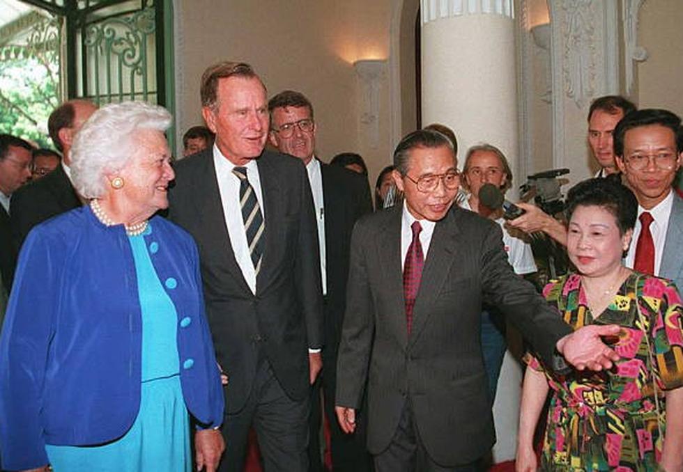 Cựu tổng thống Bush cha 'khai trương' quan hệ bình thường Việt - Mỹ - Ảnh 4.
