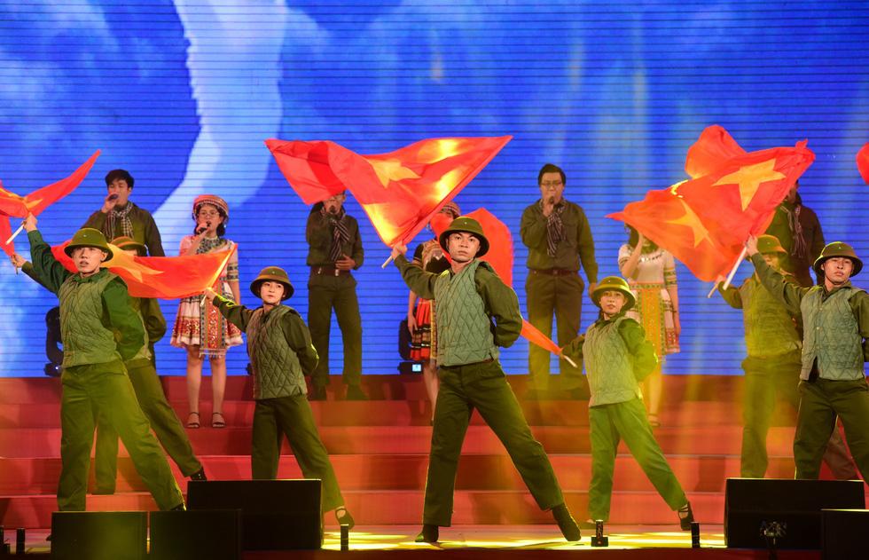 Chung kết liên hoan các nhóm tuyên truyền ca khúc cách mạng - Ảnh 3.