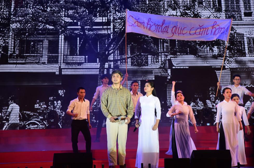 Chung kết liên hoan các nhóm tuyên truyền ca khúc cách mạng - Ảnh 4.