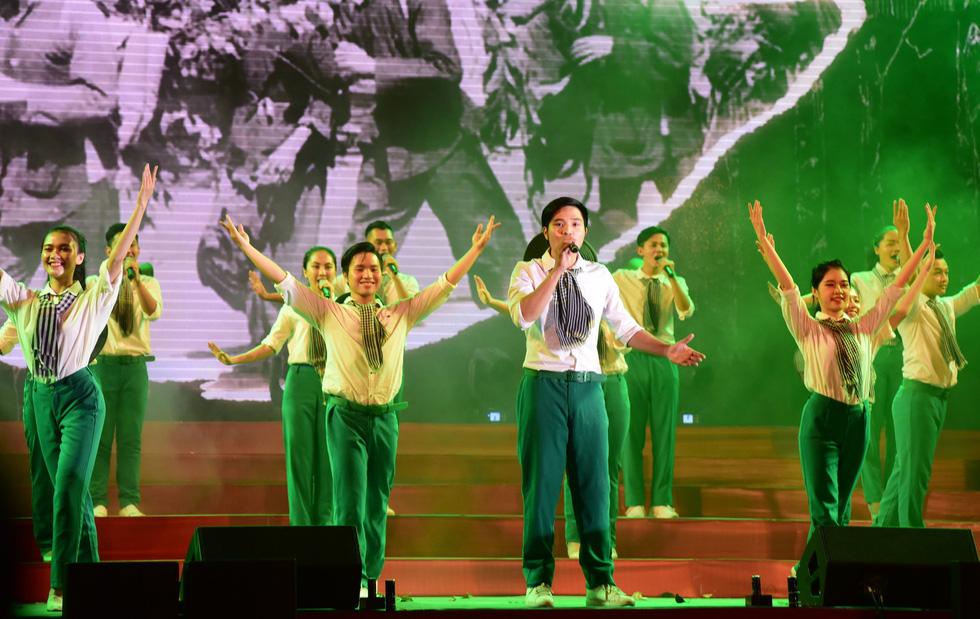 Chung kết liên hoan các nhóm tuyên truyền ca khúc cách mạng - Ảnh 1.