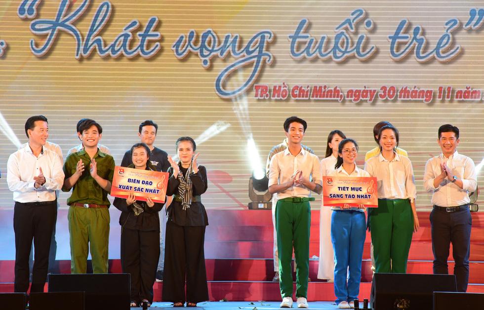 Chung kết liên hoan các nhóm tuyên truyền ca khúc cách mạng - Ảnh 7.
