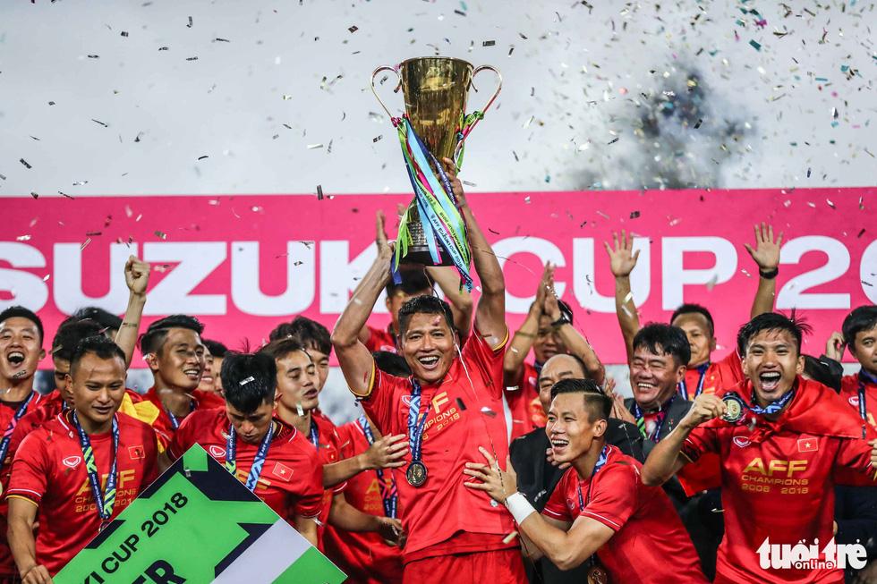 Những khoảnh khắc lịch sử của ĐT Việt Nam tại AFF cup 2018 - Ảnh 1.