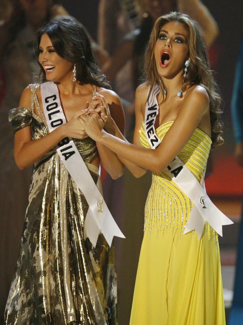 Thí sinh Miss Universe khóc, la thét, há hốc mồm khi là Hoa hậu - Ảnh 11.