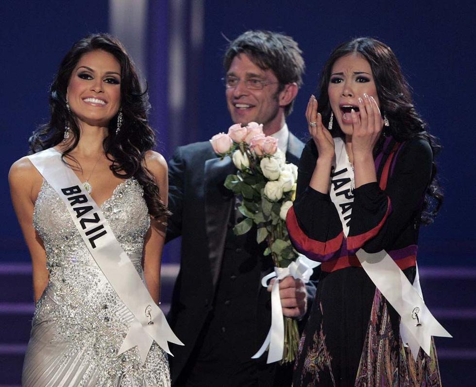 Thí sinh Miss Universe khóc, la thét, há hốc mồm khi là Hoa hậu - Ảnh 12.