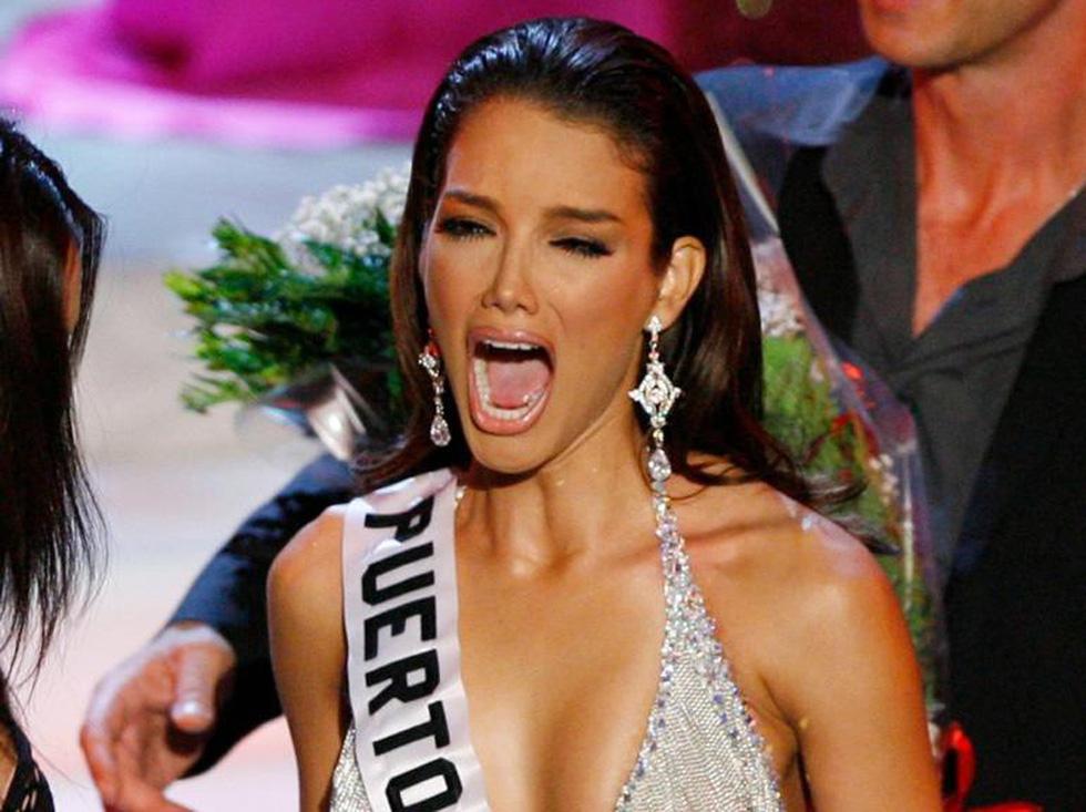 Thí sinh Miss Universe khóc, la thét, há hốc mồm khi là Hoa hậu - Ảnh 13.