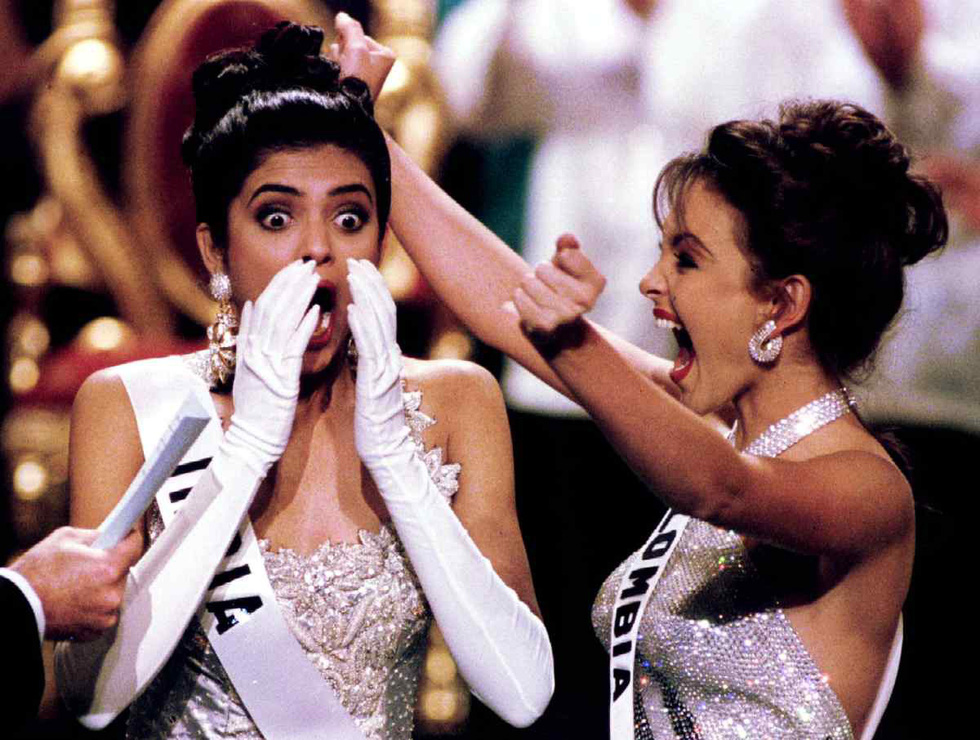 Thí sinh Miss Universe khóc, la thét, há hốc mồm khi là Hoa hậu - Ảnh 16.