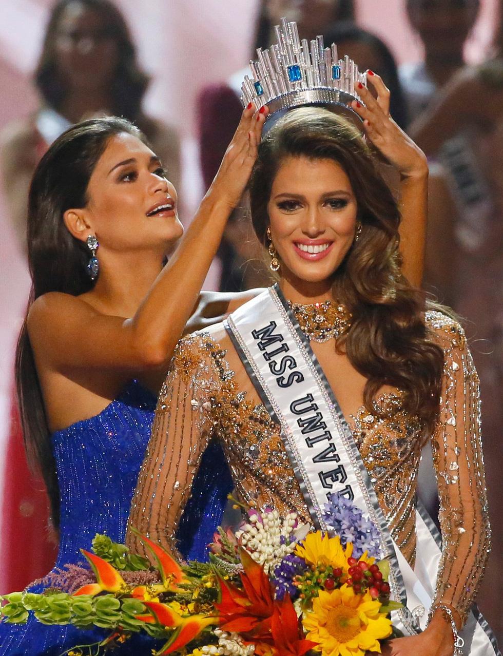 Thí sinh Miss Universe khóc, la thét, há hốc mồm khi là Hoa hậu - Ảnh 3.