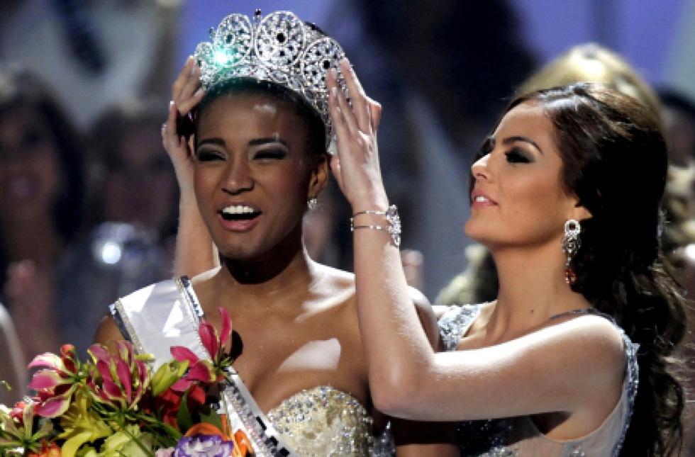 Thí sinh Miss Universe khóc, la thét, há hốc mồm khi là Hoa hậu - Ảnh 8.