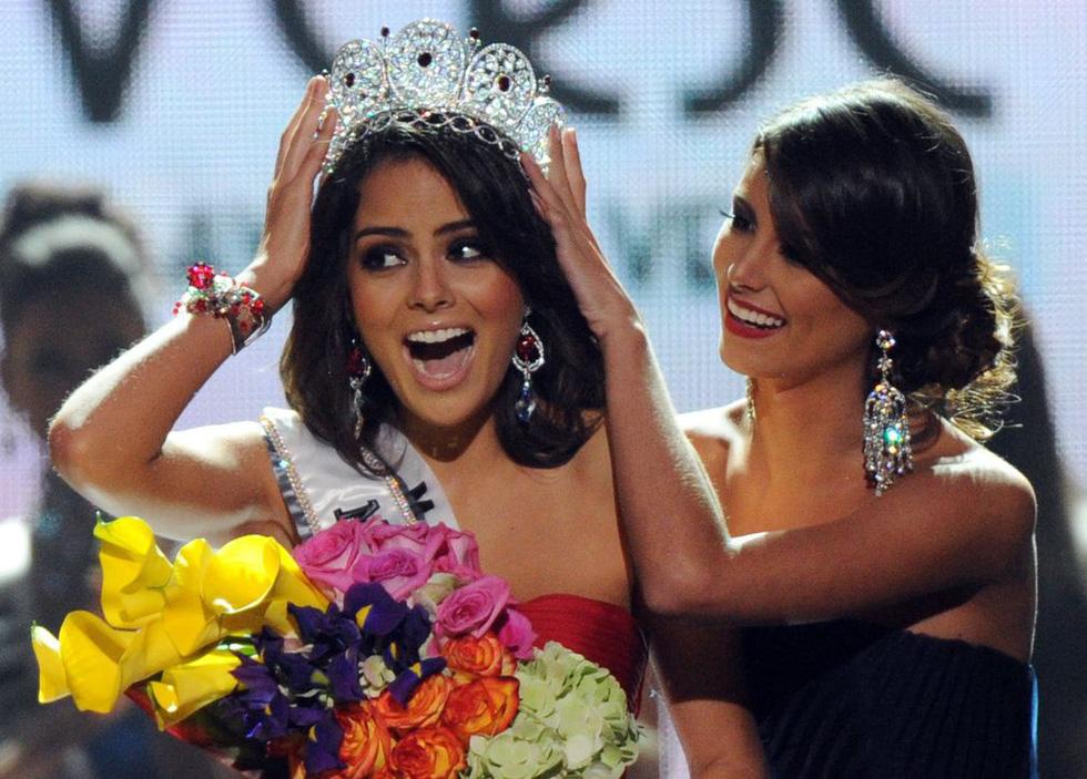 Thí sinh Miss Universe khóc, la thét, há hốc mồm khi là Hoa hậu - Ảnh 9.