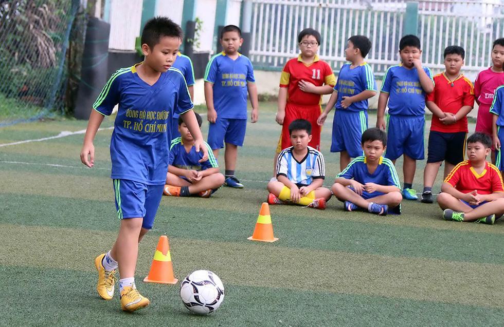Chọn bóng đá là môn thể thao quốc gia - Ảnh 4.