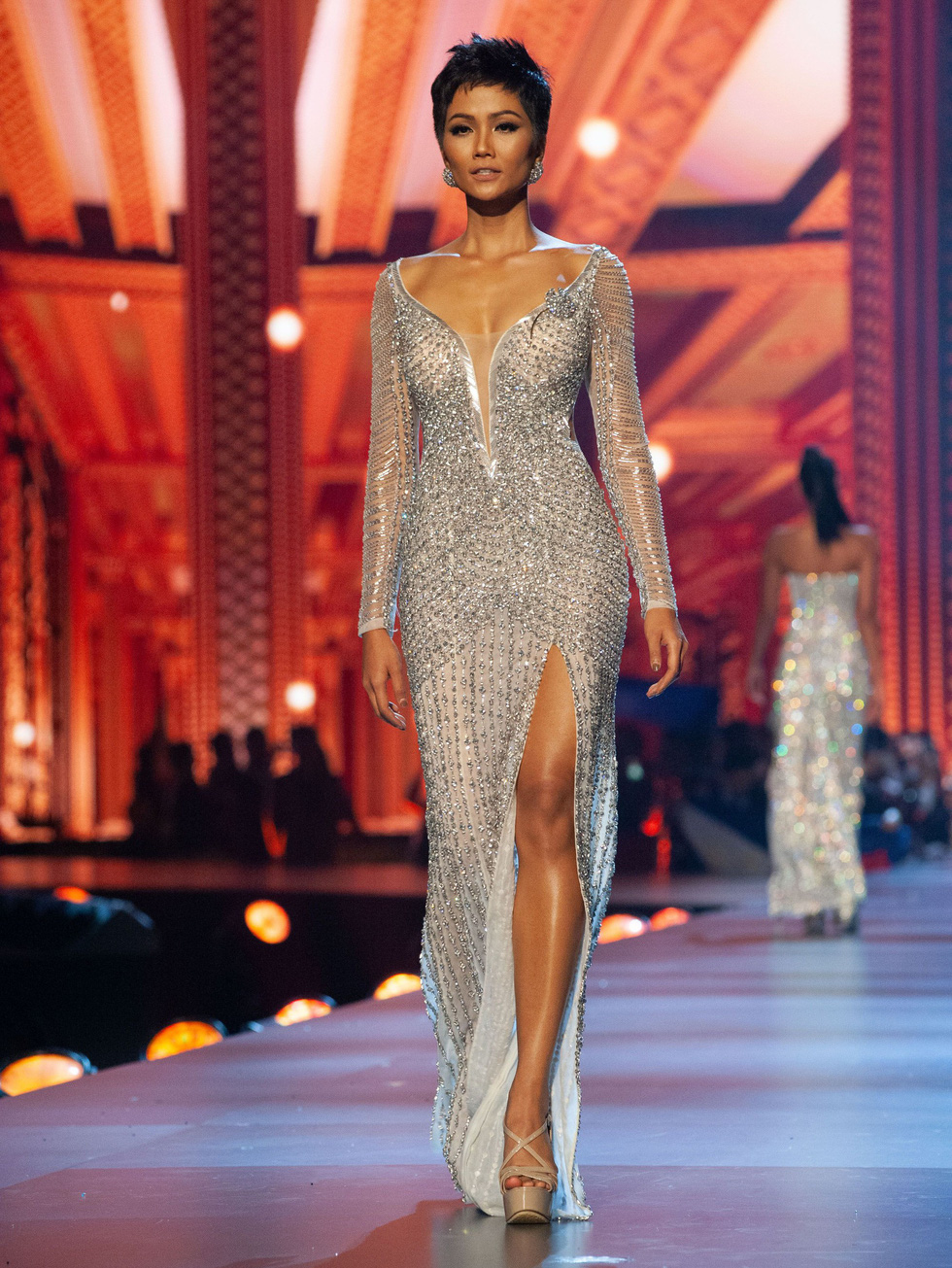 Xem lại hành trình của HHen Niê đến top 5 Miss Universe - Ảnh 17.