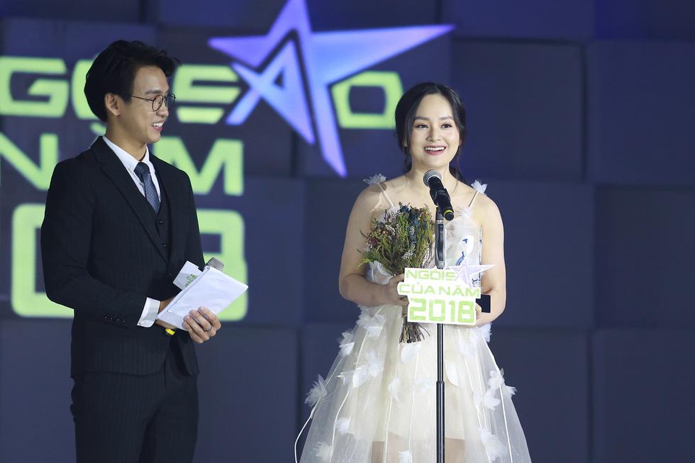 Hoa hậu HHen Niê nhận giải Ngôi sao vì cộng đồng 2018 - Ảnh 4.