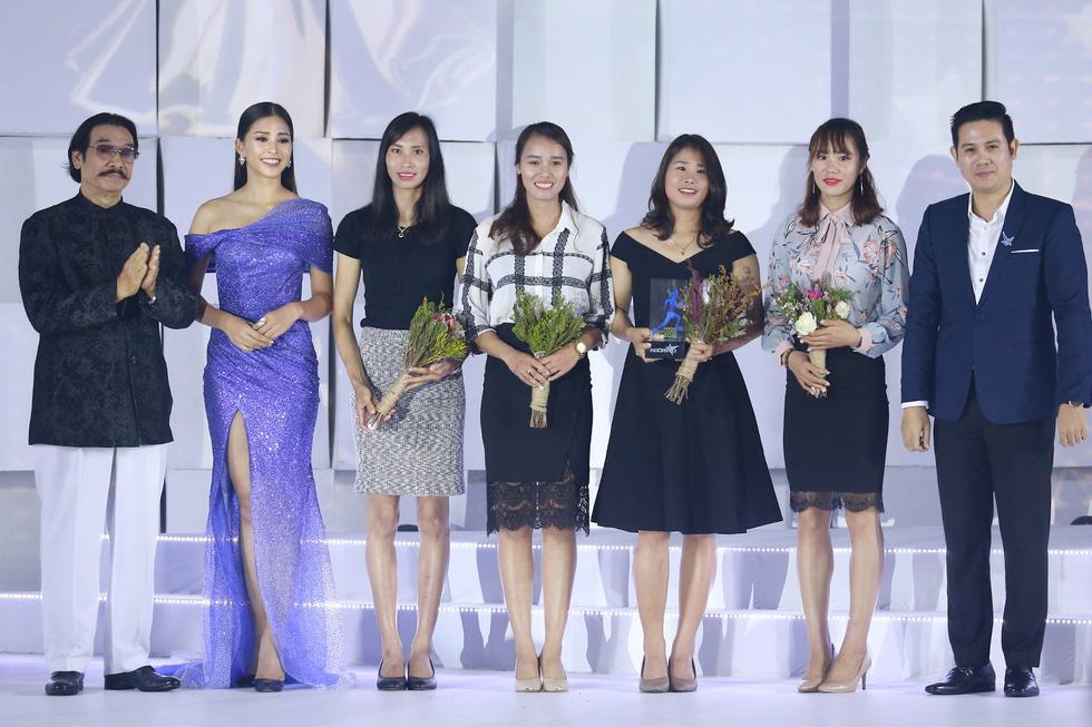 Hoa hậu HHen Niê nhận giải Ngôi sao vì cộng đồng 2018 - Ảnh 5.