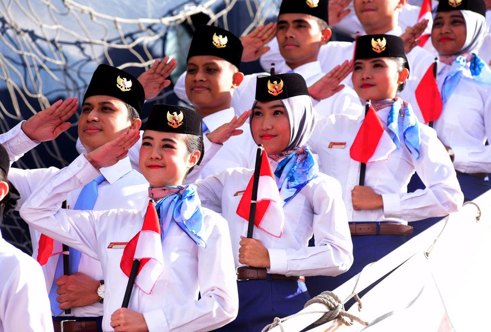 Tàu Nippon Maru đưa 329 thanh niên ưu tú cập cảng Cát Lái - Ảnh 1.