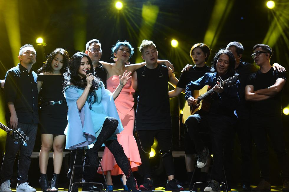 Ở đêm nhạc Bình minh, Thanh Lam mới không còn hú hét - Ảnh 18.