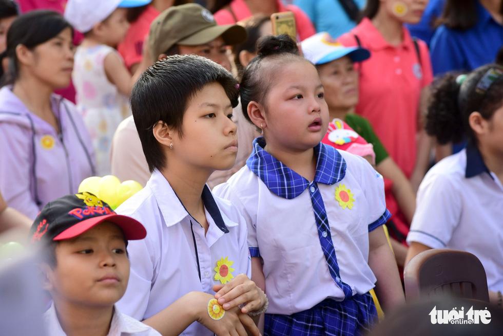 6,6 tỉ đồng - tấm lòng bạn đọc trong Ngày hội Hoa hướng dương - Ảnh 16.