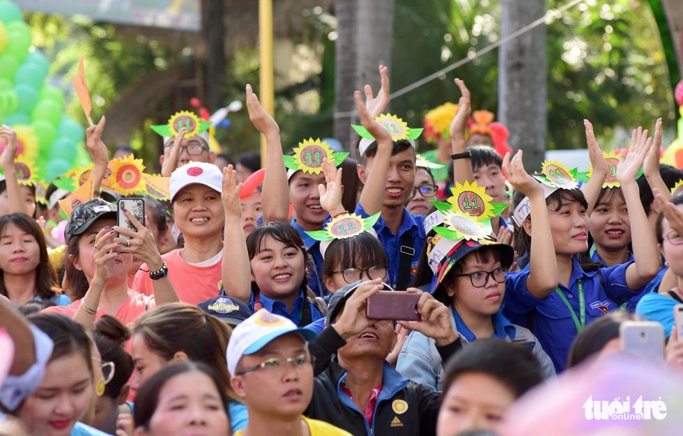 6,6 tỉ đồng - tấm lòng bạn đọc trong Ngày hội Hoa hướng dương - Ảnh 21.