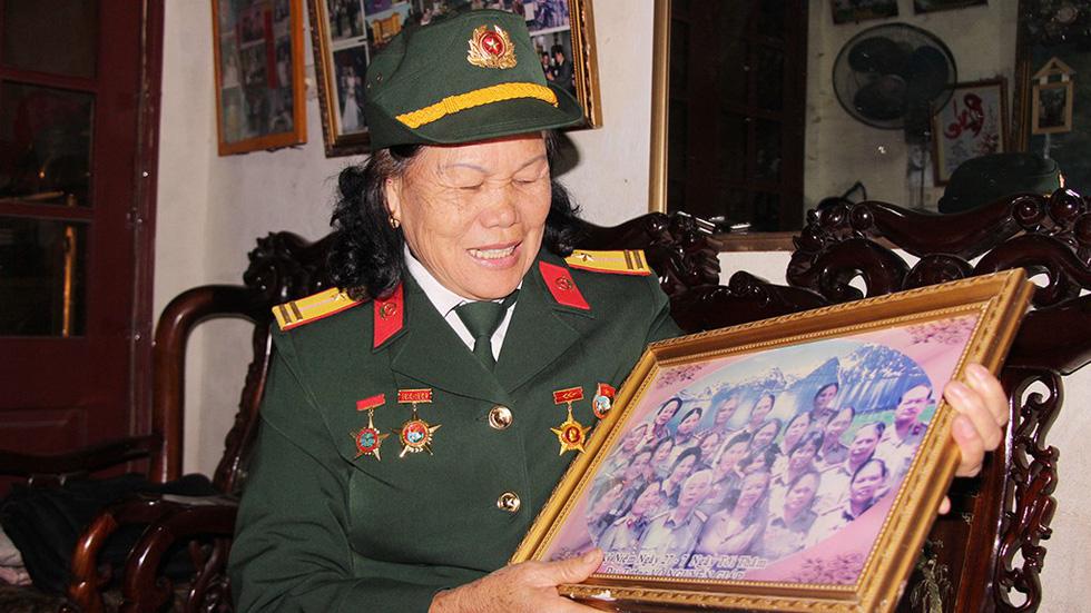 Đội nữ lái xe Trường Sơn dưới mưa bom bão đạn - Ảnh 5.