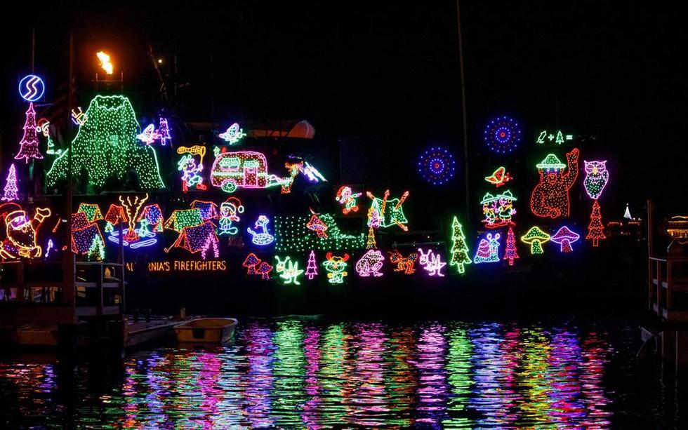 Thế giới rực rỡ ánh đèn đón Giáng sinh - Ảnh 12.