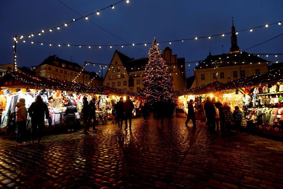 Thế giới rực rỡ ánh đèn đón Giáng sinh - Ảnh 17.