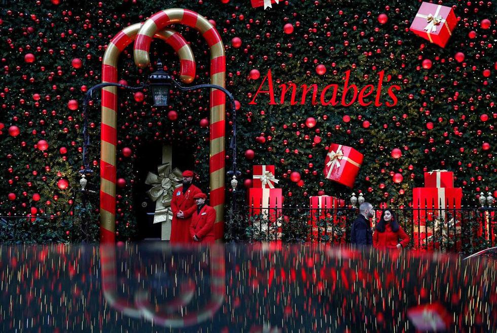 Thế giới rực rỡ ánh đèn đón Giáng sinh - Ảnh 3.