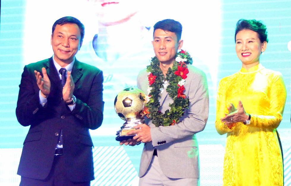 Quang Hải giành Quả bóng vàng Việt Nam 2018 - Ảnh 7.