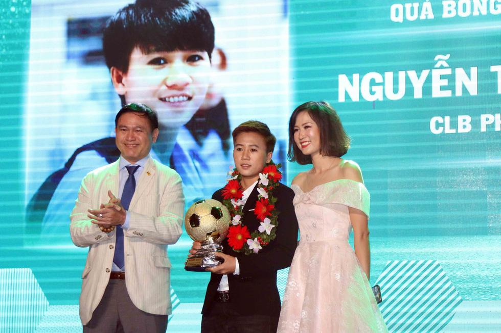 Quang Hải giành Quả bóng vàng Việt Nam 2018 - Ảnh 6.