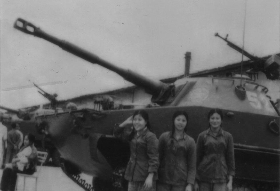 Đội nữ lái xe Trường Sơn dưới mưa bom bão đạn - Ảnh 4.