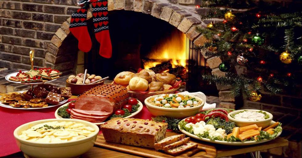 Cá trích mặc áo lông, tiệc thất ngư và những món độc lạ mùa Giáng sinh - Ảnh 1.