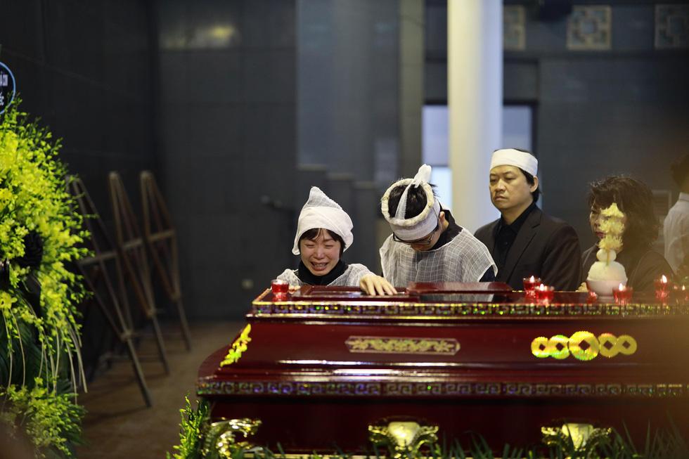 Lễ tang NSND Anh Tú: Người ra đi để lại nỗi tiếc thương - Ảnh 5.