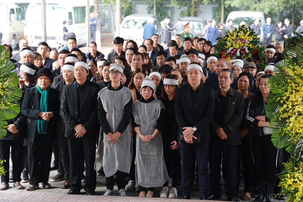 Lễ tang NSND Anh Tú: Người ra đi để lại nỗi tiếc thương - Ảnh 4.