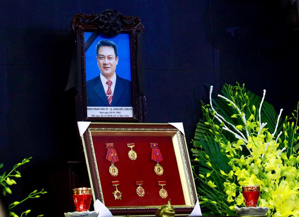 Lễ tang NSND Anh Tú: Người ra đi để lại nỗi tiếc thương - Ảnh 1.