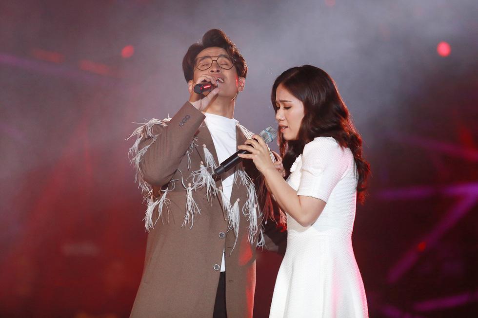 Hà Anh Tuấn thăng hoa cùng đêm nhạc lãng mạn nhất sự nghiệp - Ảnh 7.