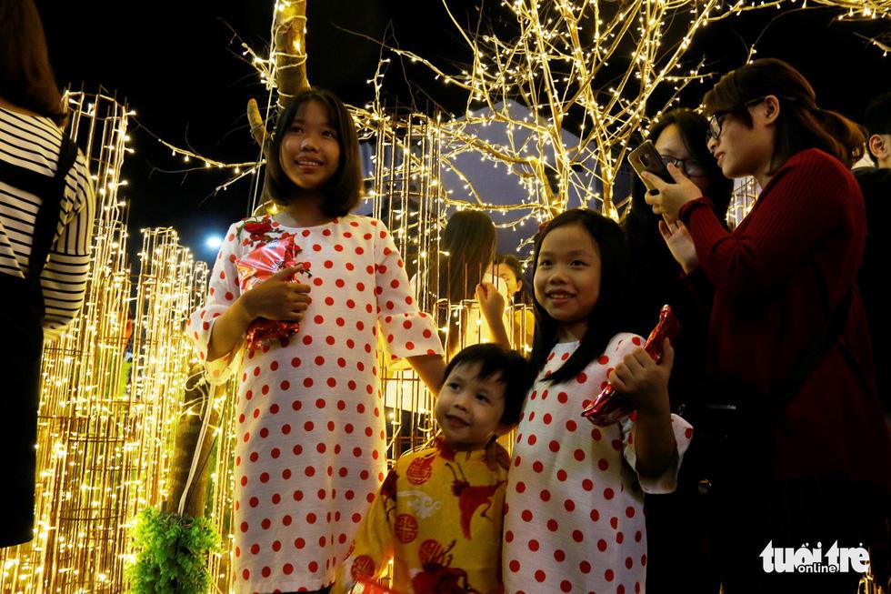 Khu vườn Giáng sinh phong cảnh châu Âu hút hồn bạn trẻ Huế - Ảnh 4.