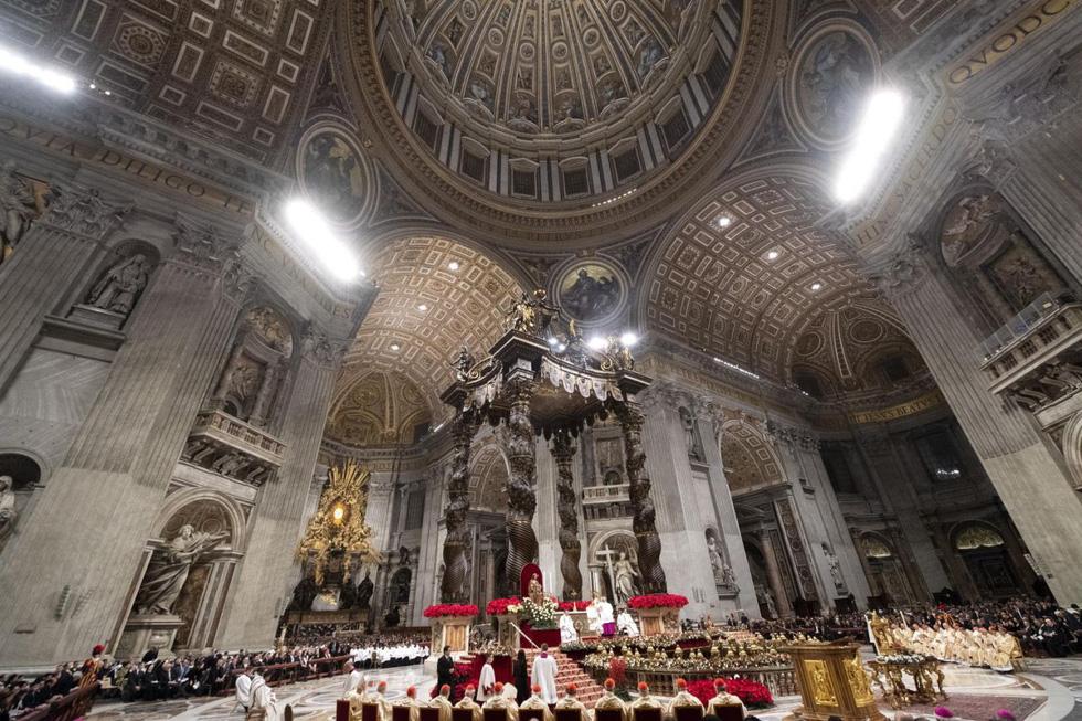 Giáo hoàng lên án lòng tham vô độ của chủ nghĩa tiêu dùng hiện đại - Ảnh 1.