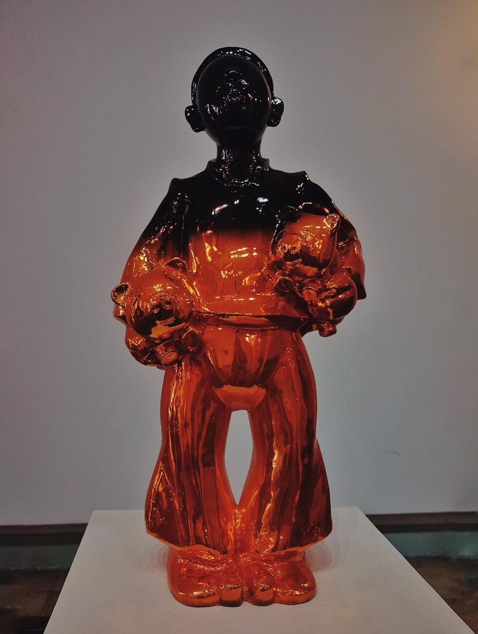 Triển lãm điêu khắc Sài Gòn - Hà Nội: Heo lên ngôi trong năm Kỷ Hợi - Ảnh 4.