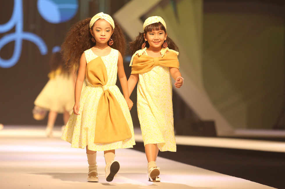 Chọn váy xinh diện Tết cho bé từ Tuần lễ thời trang trẻ em châu Á - Ảnh 14.