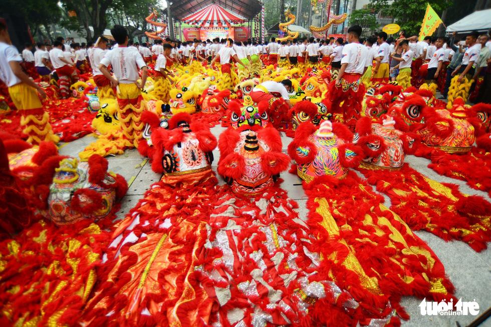 108 con lân nhả 108 chữ Tài - Lộc chúc phúc năm mới - Ảnh 7.