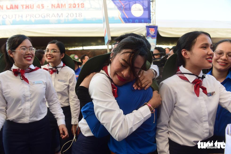 Đại biểu tàu thanh niên Đông Nam Á - Nhật Bản lưu luyến chia tay TP.HCM - Ảnh 7.