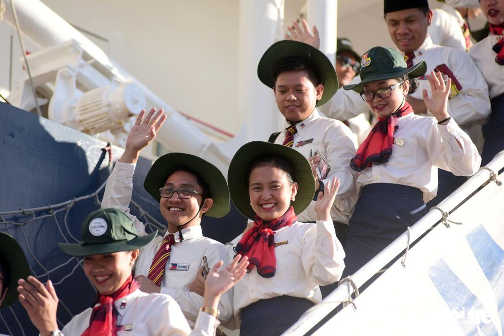 Đại biểu tàu thanh niên Đông Nam Á - Nhật Bản lưu luyến chia tay TP.HCM - Ảnh 8.