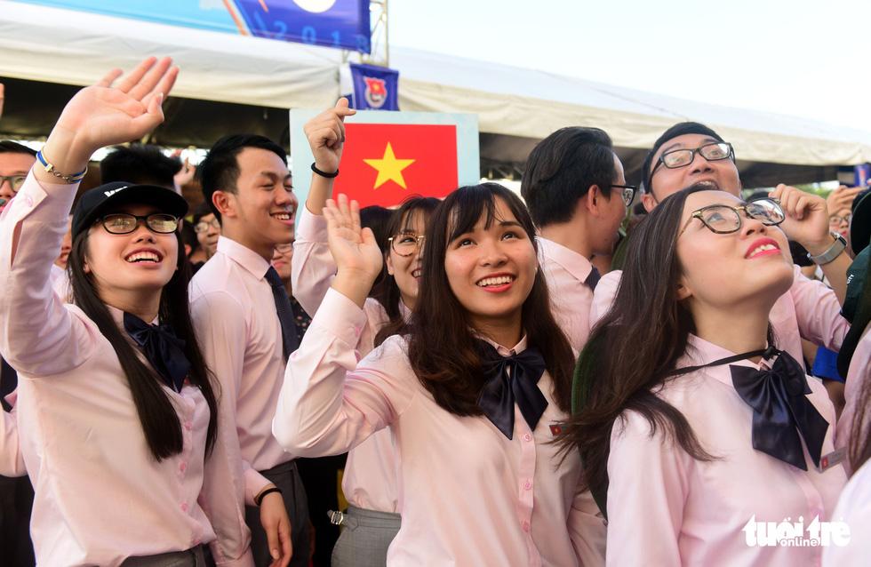 Đại biểu tàu thanh niên Đông Nam Á - Nhật Bản lưu luyến chia tay TP.HCM - Ảnh 9.