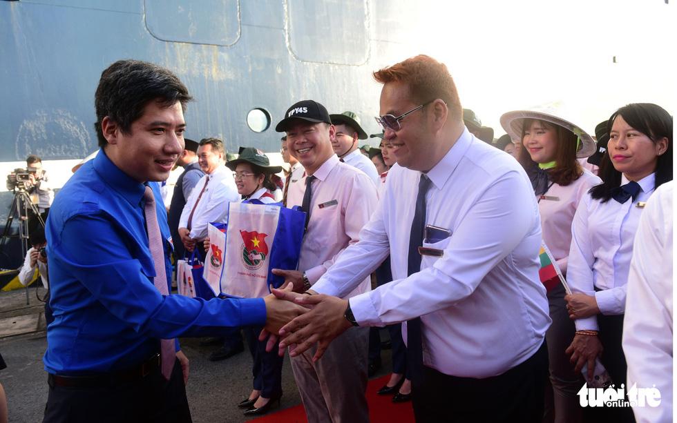 Đại biểu tàu thanh niên Đông Nam Á - Nhật Bản lưu luyến chia tay TP.HCM - Ảnh 14.